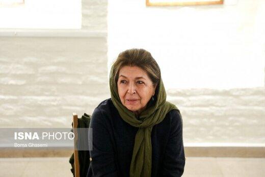 لیلی گلستان: چرا در جشنواره تجسمی فجر شرکت نکنیم؟