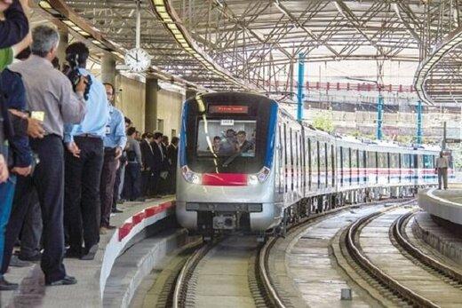 ادامه خاکخوردن قطارهای مترو در کرج/ کرایه روزانه ۳۰ میلیون تومانی!