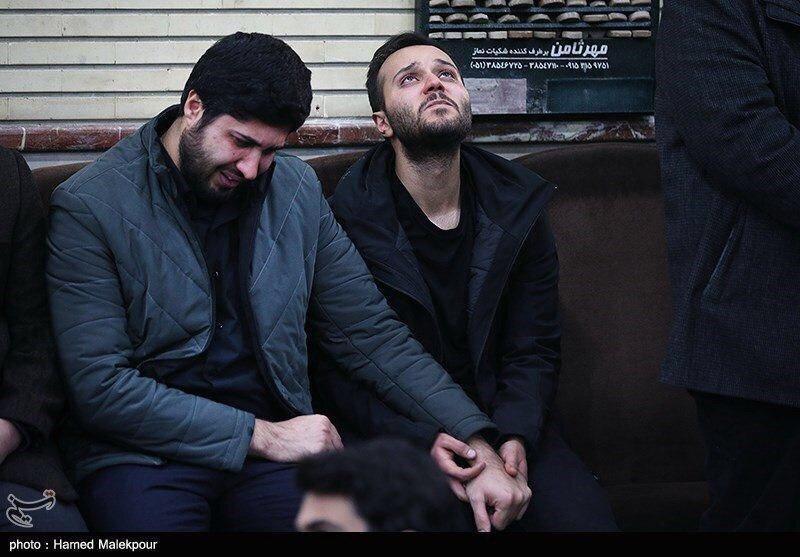 اشکهای فرزند شهید قاسم سلیمانی در کنار فرزند شهید احمد کاظمی