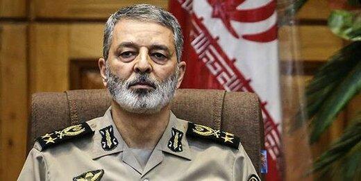 تسلیت فرمانده کل ارتش در پی درگذشت والده امیر «فرقانی»