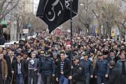فیلم | عزاداری مردم در میدان آزادی در انتظار رسیدن پیکر شهدا