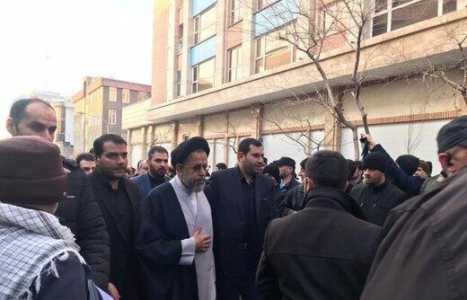 تصویری از حضور وزیر اطلاعات در مراسم تشییع سردار شهید سلیمانی