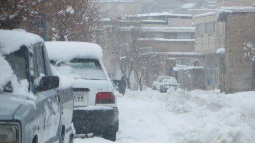 جاده تربتحیدریه به مشهد مسدود شد؛ ۶۰ مسافر در گناباد ماندند
