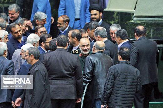 مجلس الشورى الاسلامي يعقد اجماعاً بحضور قادة حرس الثورة الاسلامية