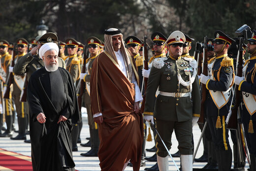 استقبال رسمی روحانی از امیر قطر/ مذاکرات خصوصی سران دو کشور