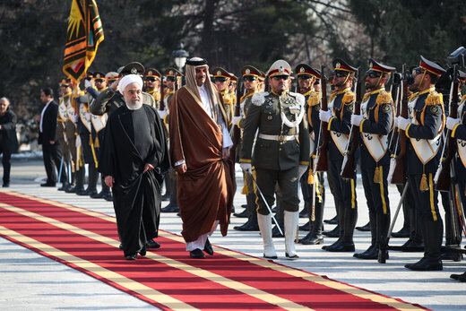 President Rouhani officially welcomes Qatari Emir