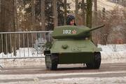 فیلم | نمایش تانکهای اسباببازی در پارک تفریحی مسکو