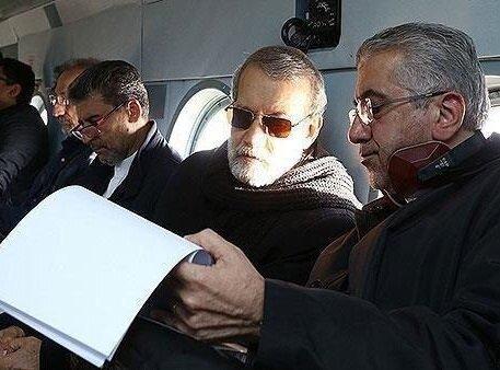 تصویری از بازدید هوایی لاریجانی و وزیر نیرو از مناطق سیلزده سیستان و بلوچستان
