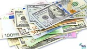 کاهش قیمت ۱۲ ارز در بازار بین بانکی