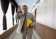 عکسی از احمدینژاد بیرون از جلسه رسمی مجمع تشخیص مصلحت