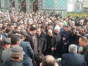 تصویری از اقامه نماز سیدحسن خمینی بر پیکر ۳ تن از شهدای سانحه هواپیمای اوکراینی