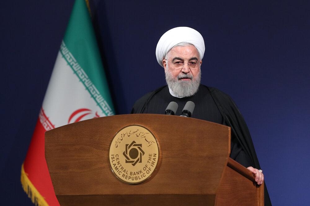 روحانی: ۶ کشور مصمم بودند به ایران حمله کنند/ بین جنگ و صلح یک گلوله فاصله است
