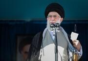 حضور رهبر انقلاب در مصلی تهران در جمع نمازگزاران جمعه