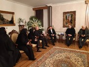 دیدار واعظی با خانوادههای دو تن از جانباختگان سقوط هواپیمای اوکراینی