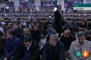 بیبیند | احمدی نژاد صف اول نمازجمعه امروز تهران کنار چه کسی نشست؟