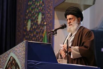 رهبر انقلاب: ملت ایران نشان داد طرفدار انقلاب و مقاومت است