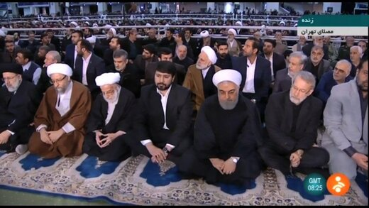 تصویری از حضور سران قوا، رئیس مجلس خبرگان و رئیس مجمع در نماز جمعه تهران