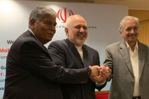ظریف در جمع اعضای اتحادیه صنایع هند/ عکس