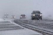 امدادرسانی راهداران آذربایجانشرقی به ۶۳ خودرو گرفتار در برف