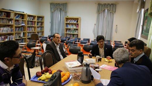 بازدید تیم ارزیاب منطقه ۵ کشور از مرکز بهداشت درمان دانشگاه لرستان