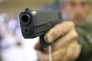 فیلم | لحظه تیراندازی در سرقت مسلحانه از طلافروشی در بندر ماهشهر