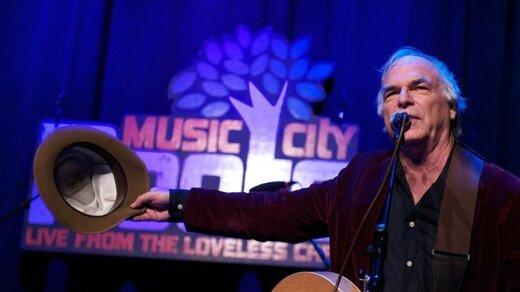 دیوید اولنی خواننده آمریکایی روی صحنه درگذشت
