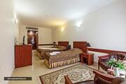 آیا هتل تارا مشهد مجموعه آبی دارد؟