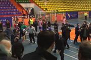 فیلم | درگیری در لیگ برتر فوتسال، ۱۰ ثانیه پس از شروع بازی!