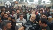تصویری از فرمانده کل سپاه و سردار تنگسیری در جمع مردم سیل زده هرمزگان
