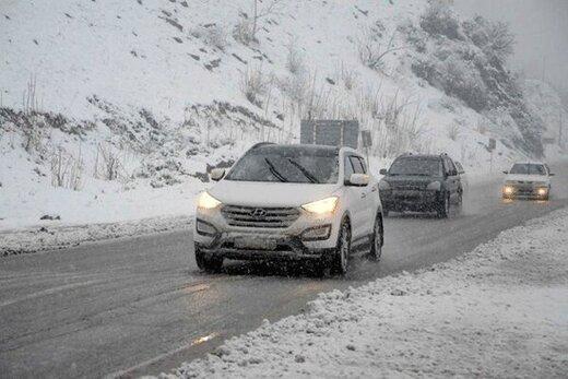 جادههای کدام استانها برفی و بارانی و مسدود است؟