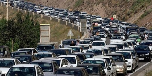 ترافیک فوق العاده سنگین در محدوده پیست آبعلی/ اعلام محورهای برفی