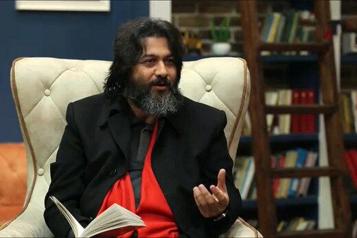 فیلم | عشق پیر و جوون نمی شناسه/ شعرخوانی سید عبدالجواد موسوی در برنامه کتاب باز