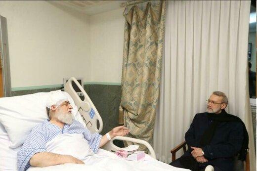 تصویری از عیادت لاریجانی از رئیس بنیاد شهید