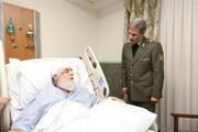 عیادت وزیر دفاع از نماینده ولی فقیه در بنیاد شهید +عکس