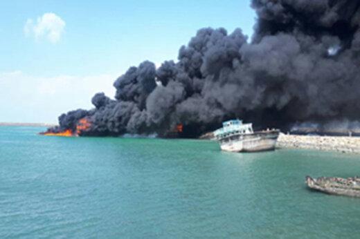 فیلم | آتش گرفتن ۴ لنج باری و ماهیگیری در اسکله بندر جاسک
