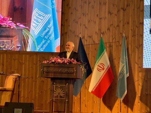 ظريف: تهديد ترامب باستهداف المراكز الحضارية الايرانية إرهاب ثقافي