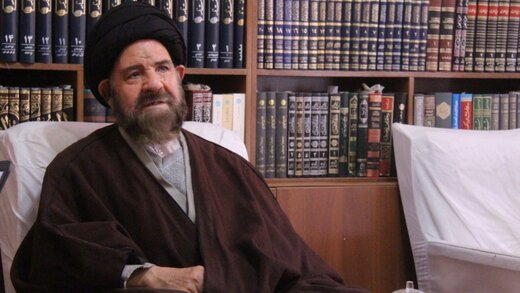 واکنش متفاوت عضو مجلس خبرگان به سوزاندن کتاب پزشکی توسط تبریزیان: شاید ماموراسرائیل و سعودیها باشد/این فرد روحانی است یا روحانینما؟