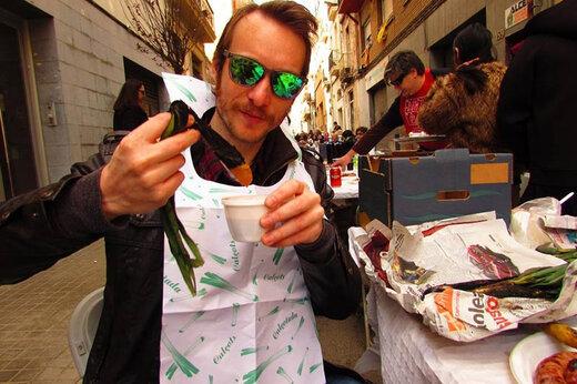 فیلم | جشنواره پیازچهخوری در بارسلون