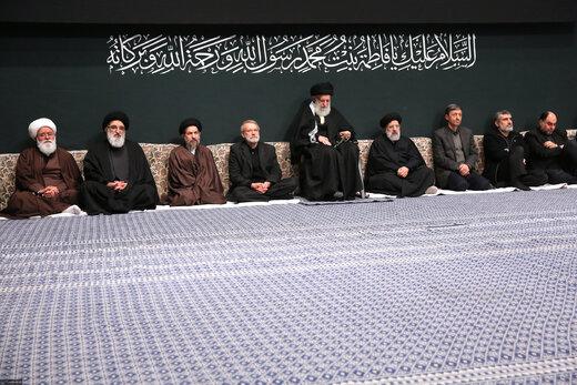 عکسی از لاریجانی، رئیسی و فرمانده کل سپاه در مراسم عزاداری بیت رهبر انقلاب