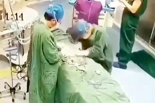 فیلم   بیهوش شدن پزشک جراح در اثر ویروس کرونا در چین