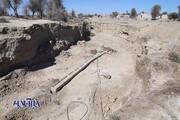 تصاویر   نشست ۴ متری زمین در روستای عورکی سیستان و بلوچستان و سقوط تیرهای برق