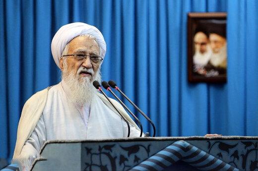 فیلم | امام جمعه تهران: اگر بخواهیم آقا باشیم باید پیروی از رهبر را ادامه بدهیم