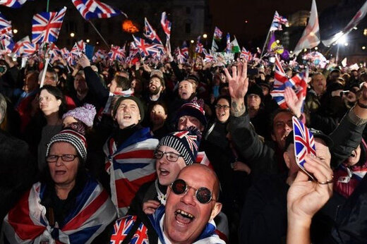 فیلم   جشن مردم انگلیس در لحظه خروج این کشور از اتحادیه اروپا