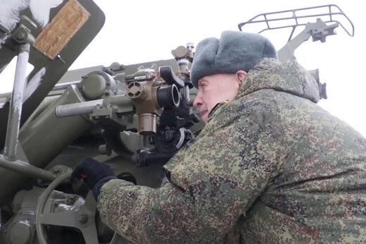 فیلم | شلیک توپ 152 میلیمتری توسط کهنه سرباز 94 ساله روس