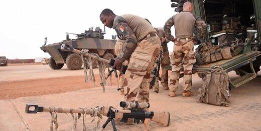 نظامیان فرانسوی در راه آفریقا