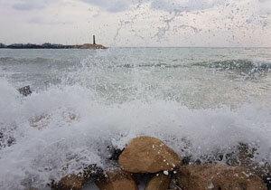 دریا مواج است/ شناورهای سبک از ترددهای دریایی خودداری کنند
