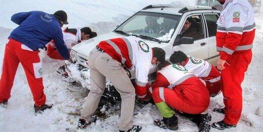 امداد رسانی به ۲۹۱۸ نفر در برف و کولاک طی ۷۲ ساعت گذشته
