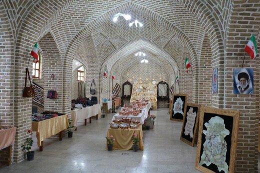 مقبره شیخ محمود شبستری میزبان نمایشگاه صنایع دستی و هنرهای سنتی