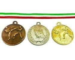 دختران کاراته کا مرکز شبانه روزی بهزیستی دامغان قهرمان شدند