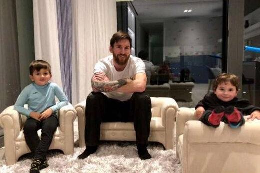 ببینید | کلاس تمرینی مسی برای فرزندانش در خانه